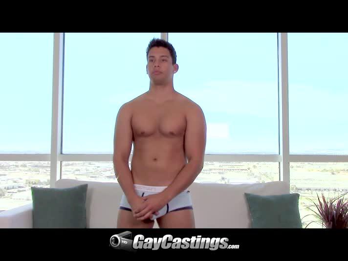 gay casting divano porno