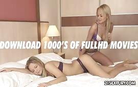 Lesbiche si mollano le fighe calde