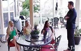 Gangbang con tre amiche porche