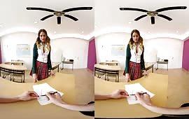 Studentessa scopata in classe dal professore cazzuto