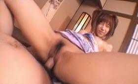 Diciottenne asiatica riceve dei intensi penetrazioni