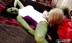 Chyna Brendon leccata in figa prima di scucchiarlo