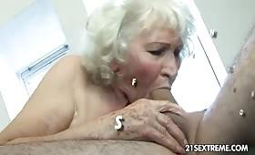 Puttana sessantenne ha voglia di cazzo